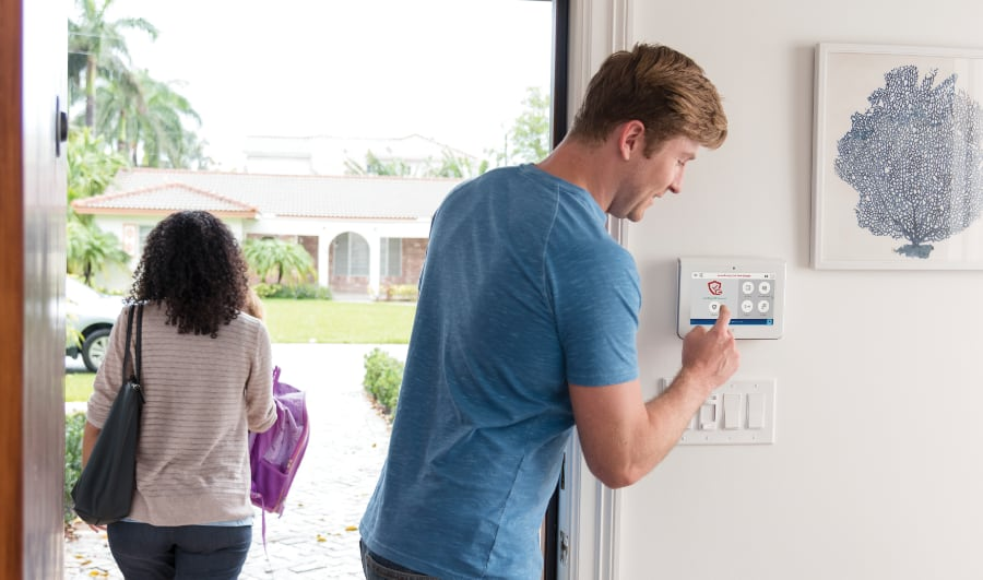 Reasons to get a monitored alarm system in Orange County